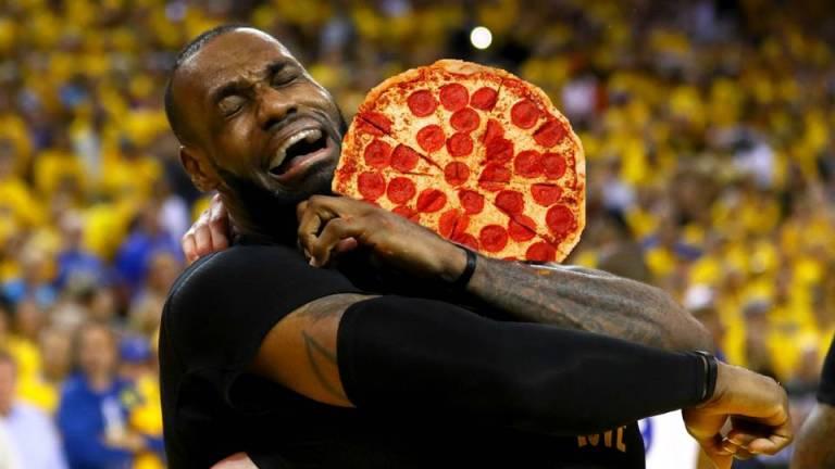 lebron-pizza-ftrjpg_193n800m6rxb31wvae7ct8wctm