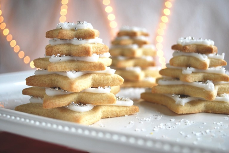 Stacked-Star-Christmas-Tree-Sugar-Cookies-White-1024x685